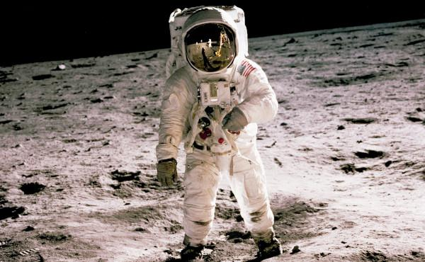 21 julio 1969, llegada a la luna: «Vamos a encomendar a esos chicos»
