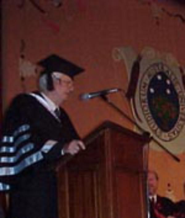 La Universidad Austral nombra tres doctores Honoris Causa