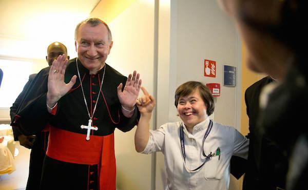 Cardenal Parolin: «Haced del Campus Biomédico un lugar donde se enseña a ser solidarios»