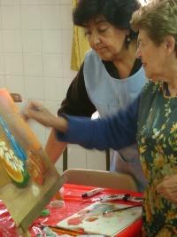 Los talleres de arte son muy populares en la zona