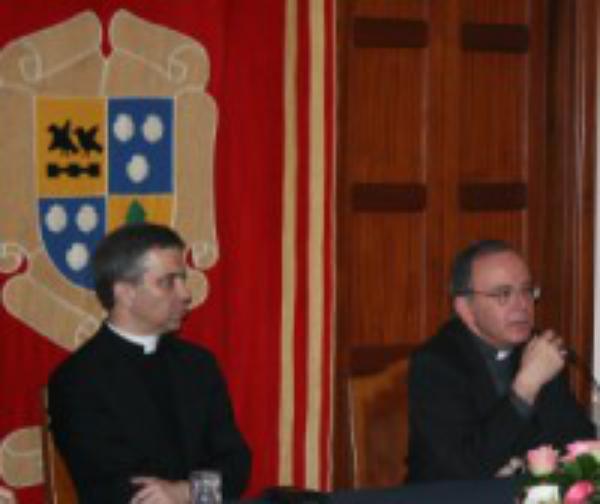 Bispos do Porto e de Aveiro na Jornada para Sacerdotes em Enxomil (Porto)