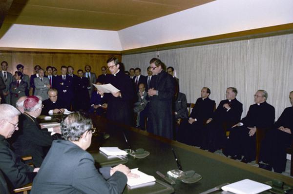 Dekret o wszczęciu przewodu beatyfikacyjnego i kanonizacyjnego prałata Escrivy de Balaguera