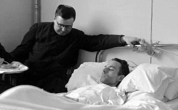 Opus Dei - تساعية المرضى