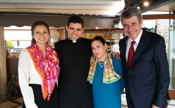 """Opus Dei -  """"El mejor negocio de la vida es decir siempre que sí al Señor"""""""