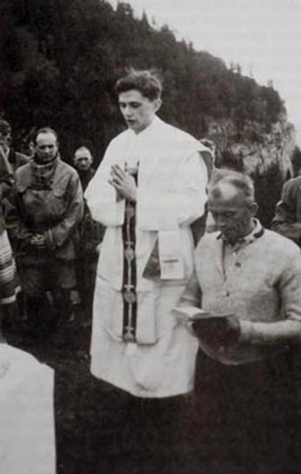 60ème anniversaire de l'ordination sacerdotale du pape: histoire de sa vocation