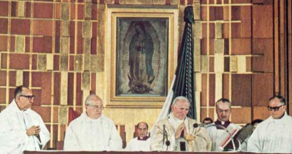 """""""La Morenita"""": doi sfinți, un cântec"""