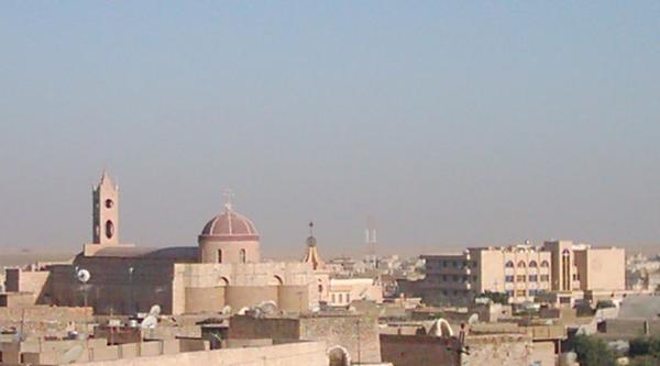 من العراق إلى فرنسا: أسرتان تحت سقف واحد