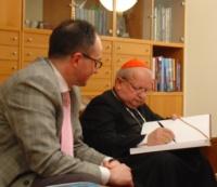 Ks. kardynał Dziwisz napisał: 'Jestem szczęśliwy, że jesteście. Liczę na Was, a przede wszystkim Chrystus Was wezwał, abyście budowali Jego Kościół, który jest w Krakowie'