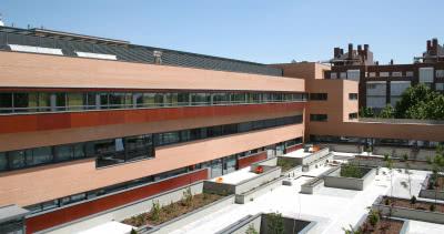 El edificio del Centro de Cuidados Laguna, al sur de Madrid.