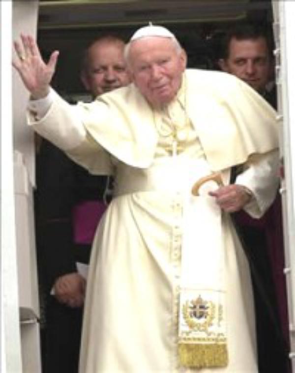 »Vstanite, pojdimo!« – življenjepisno pričevanje papeža
