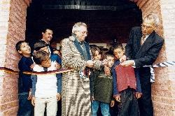 Con motivo del centenario del nacimiento de san Josemaría, el 16 de septiembre se inauguró un nuevo edificio gracias a la colaboración de una ONG alemana.