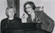 Joanne Angelo och Elizabeth Fox-Genovese under en kongress ordnad av Murray Hill Institute.
