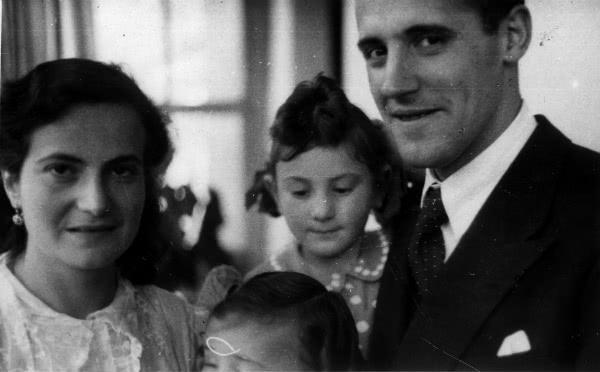 Opus Dei - Rezar por intercesión del matrimonio Ortiz de Landázuri