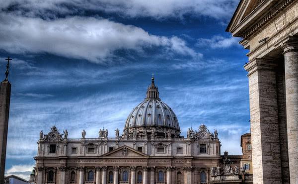 Opus Dei - V kakšnem odnosu je Opus Dei do ostalih ustanov Cerkve?