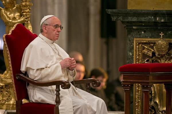 Svätý Otec pozýva v októbri k modlitbe svätého ruženca za Cirkev