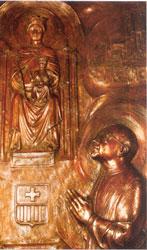 Imagen del relieve, situado tras el camarín de la Virgen.