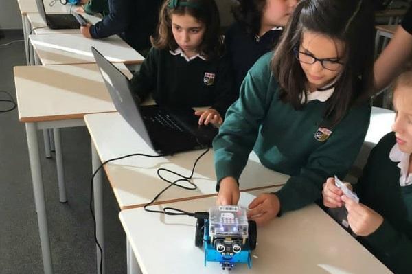 É possível aprender robótica com 8 anos?