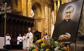 """""""San Josemaría es un pequeño del Evangelio, escuchó la Palabra y la guardó en su corazón"""""""