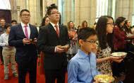 Momentos das Missas em honra de São Josemaria