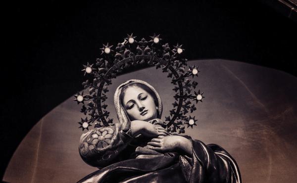 Por Maria a Jesus