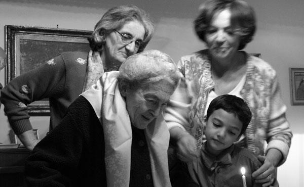 Opus Dei - Troens kjede av bestemødre og mødre