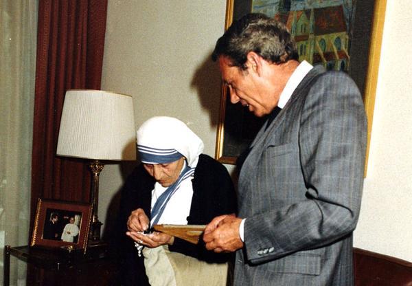 El somriure de la Mare Teresa i el silenci de la felicitat