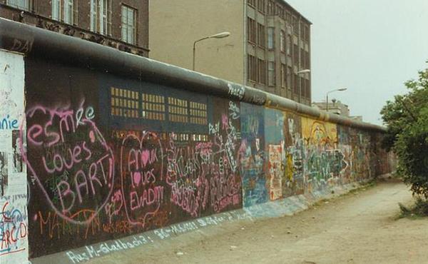 Opus Dei - El Papa recorda el paper de Joan Pau II en la caiguda del Mur de Berlín