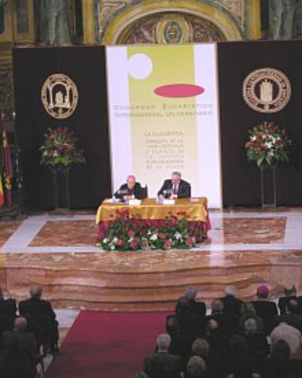 El Prelado participó en un Congreso Eucarístico en Murcia
