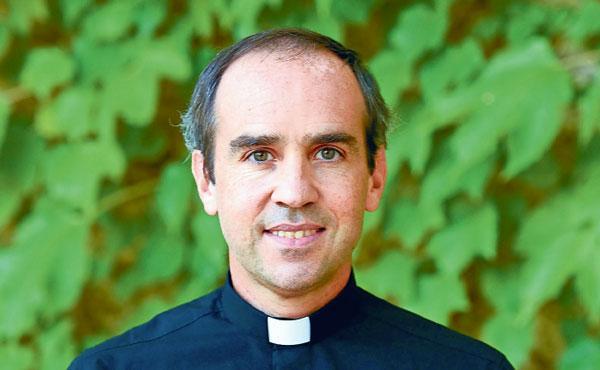 Opus Dei - Van student elektrotechniek naar priester. 'We moeten geduldig zijn, en veel bidden'