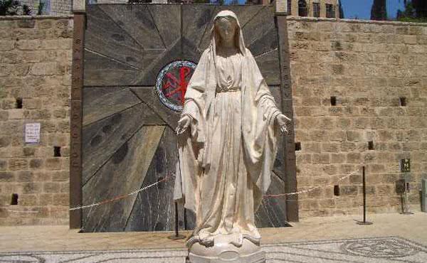 Opus Dei - Com a Família de Nazaré