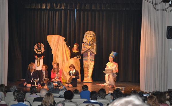 Nefertiti. Un voyage extraordinaire