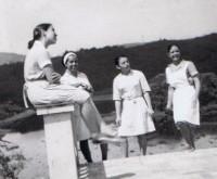 Neide, Hilda, Zezinha e Helena no Sítio da Aroeira (1968)