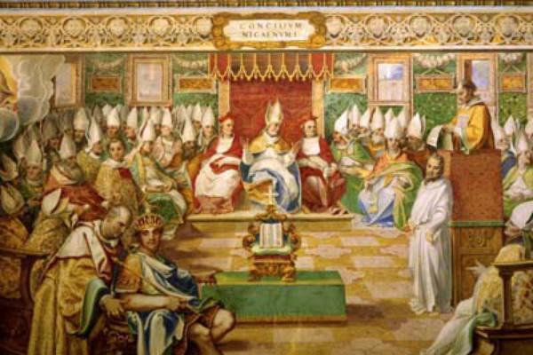 evangeliario en el centro del Concilio