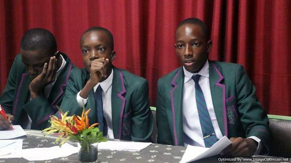 Opus Dei - Desenvolver a capacidade de rapazes através da ciência