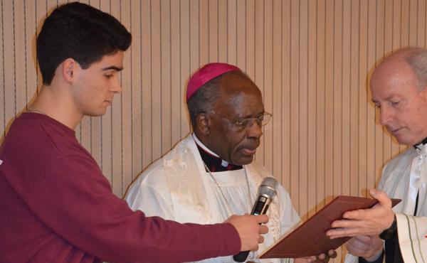 Opus Dei - Mgr Kasujja bénit les locaux des nouveaux centres Narval et Groenendael