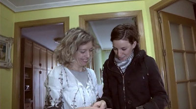 María entiende que la vocación de una numeraria auxiliar es muy similar a la de una madre de familia: 'es parecida, atienden a las personas del Opus Dei o a otras que acuden a los medios de formación con mucho cariño, teniendo detalles con ellas, igual que yo hago en mi familia'.