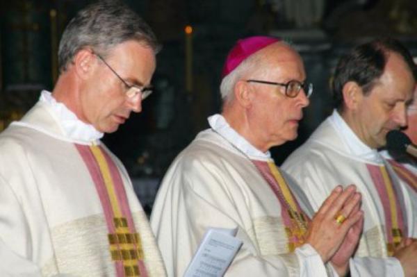 Festmesse von Nuntius Périsset in Köln