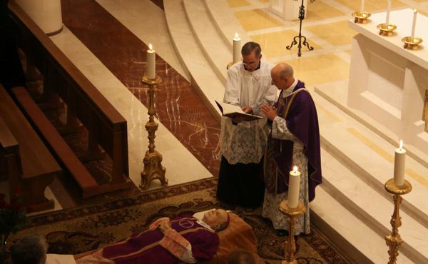"""Opus Dei - Obispos españoles recuerdan en telegramas y redes sociales la """"entrega y servicio a la Iglesia"""" del Prelado del Opus Dei"""
