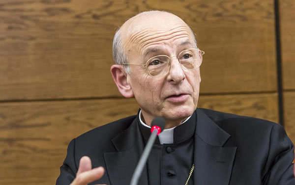 Opus Dei - Entrevista completa: «La santidad es el camino para ser feliz»