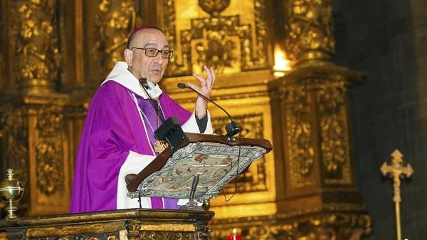 Un obispo cercano