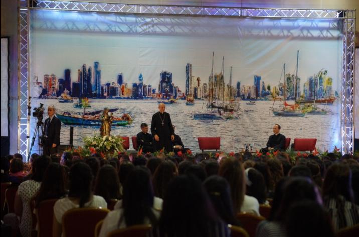 La tertulia se realizó en el Centro de Convenciones Vasco Núñez de Balboa, en el marco de la Jornada Mundial de la Juventud 2019, en Panamá.