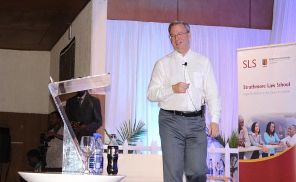 Eric Schmidt, presidente del Consejo de Administración en Google, visitó la Law School.