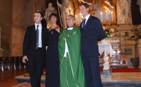 Orietta und ihr Mann beim silbernen Hochzeitsjubiläum.