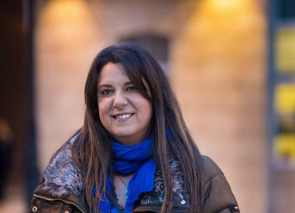 María es una mujer impulsiva y de gran corazón y el camino de vuelta vino marcado por un fuerte golpe de gracia… y un amigo argentino.