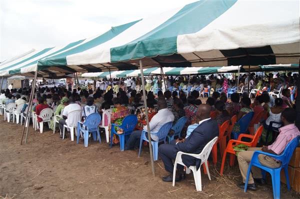 Une vue de l'assemblée des fidèles pendant la messe
