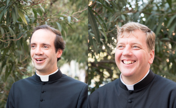 Diogo Brito y Álvaro Ruiz Antón, dos diáconos que serán ordenados sacerdotes.