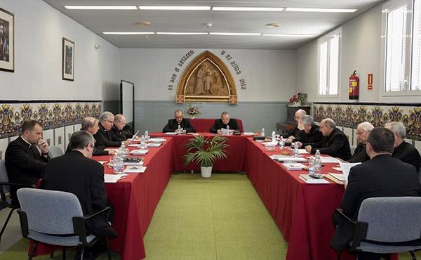 Els Bisbes de Catalunya en la seva reunió trimestral, que han celebrat a Tiana, on han aprovat el document.