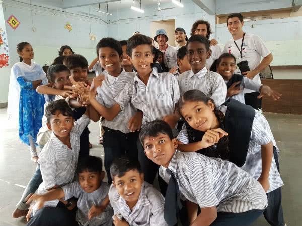 Al poco tiempo de llegar a Govandi descubrimos que los niños están muy ilusionados con una palabra: selfie...