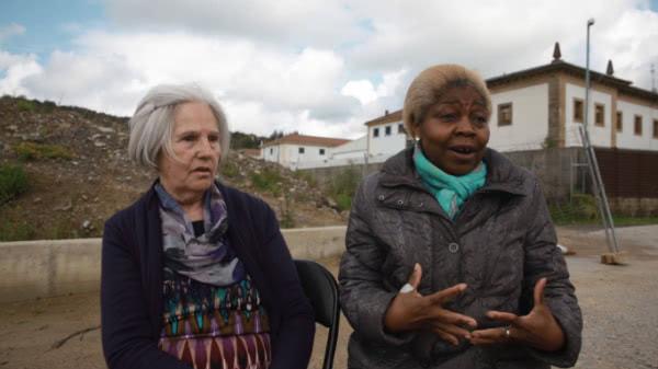 Mª Jesús y Conchi desempeñan una labor de escucha, de acompañamiento, desde hace veinte años.