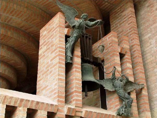 Sinos de N. Sra. dos Anjos que tocavam quando São Josemaria viu o Opus Dei